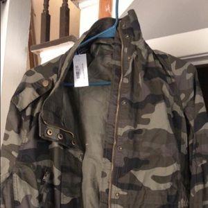 Camo NWT light weight jacket